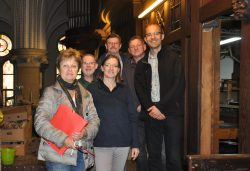 Frau Bergström, Herr Ludwig, Frau Haseley, Pater Weizenmann, Herr Linke, Herr Westrich (v.l.)
